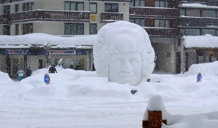 statue-en-neige