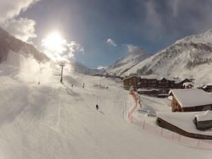 Merci Val d'Isère.Aujourd'hui du soleil et beaucoup de neige poudreuse. 1