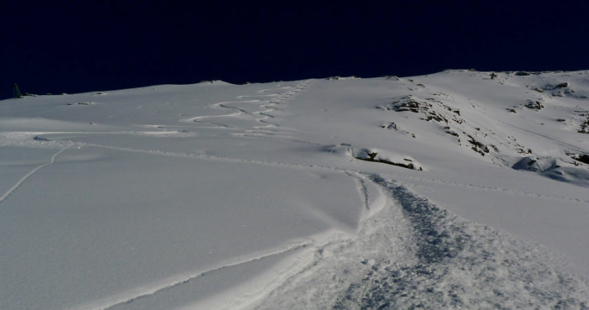 OFF PIST SKIING IN VAL D'ISERE 4