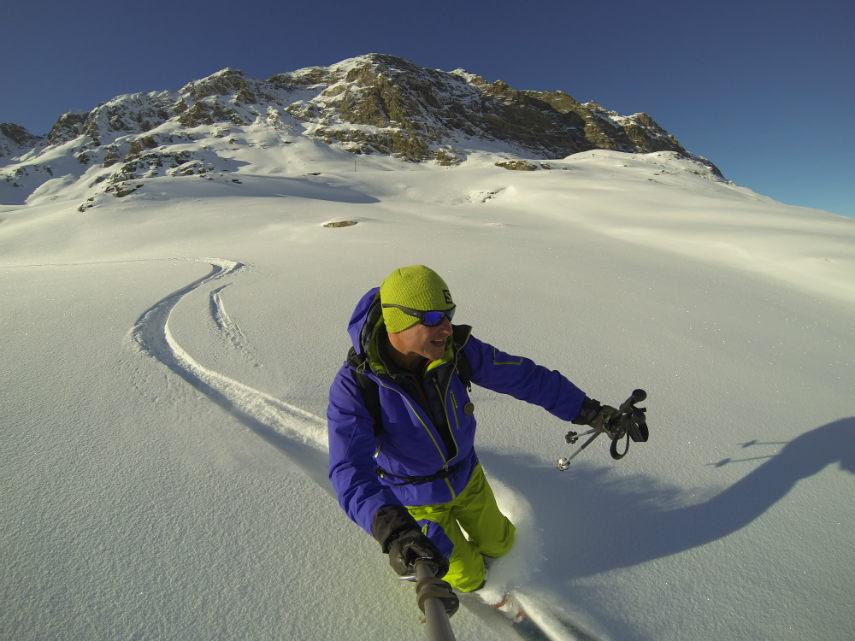 Fresh snow on the Pissaillas glacier. 7