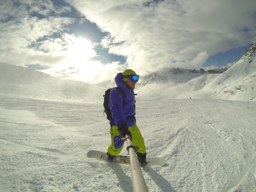 Fresh snow on the Pissaillas glacier. 5