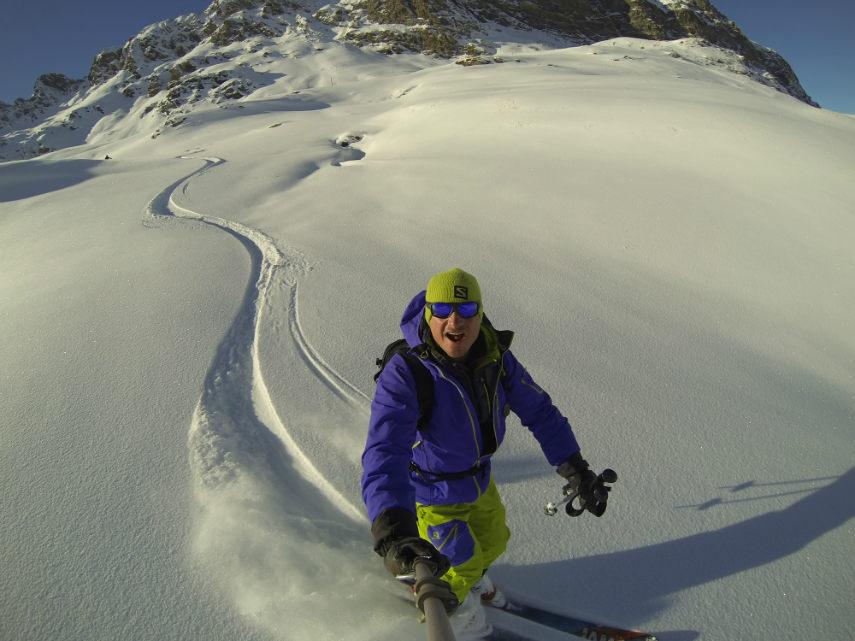 Fresh snow on the Pissaillas glacier. 2