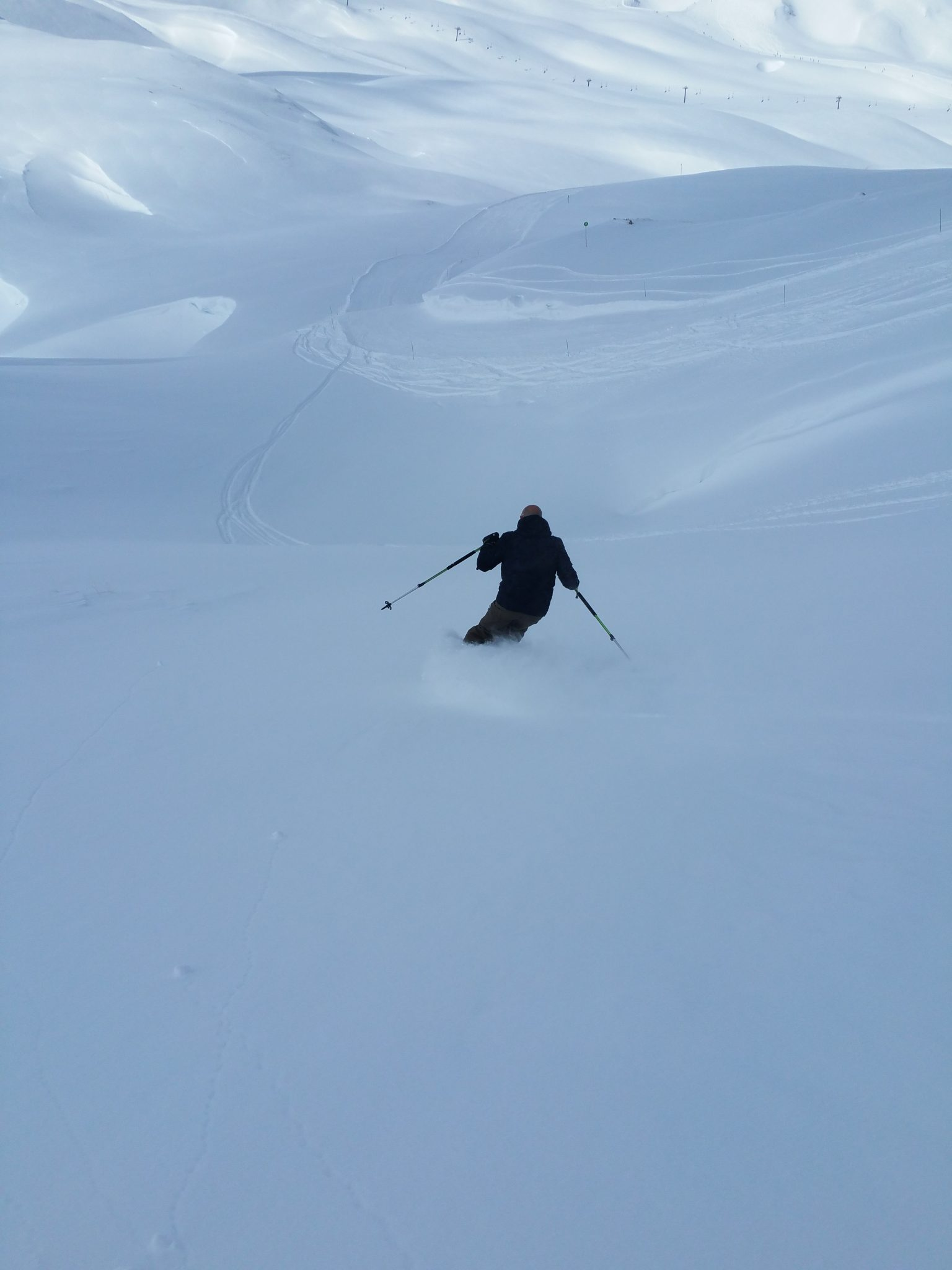 Fresh snow and Est return in Val d'Isère 16